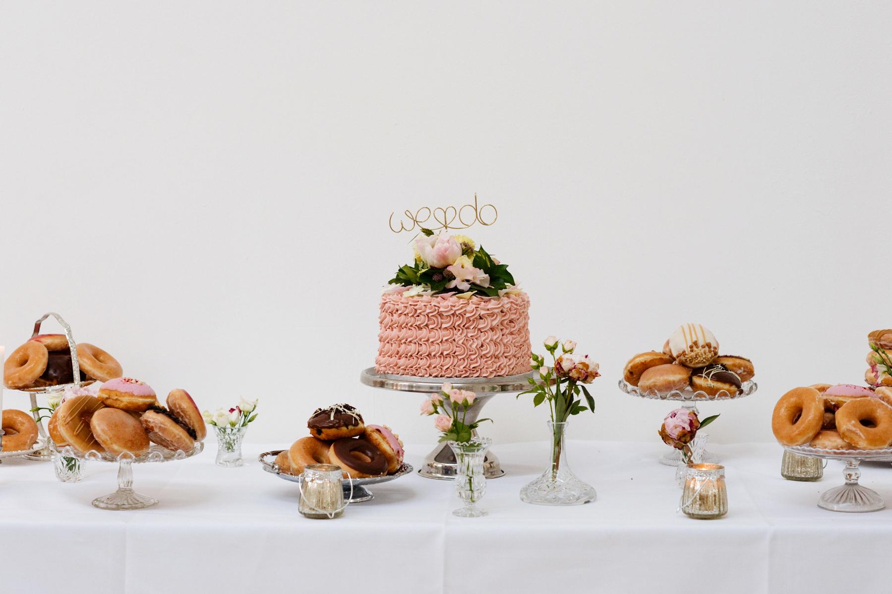 cake table wedding photography somerset