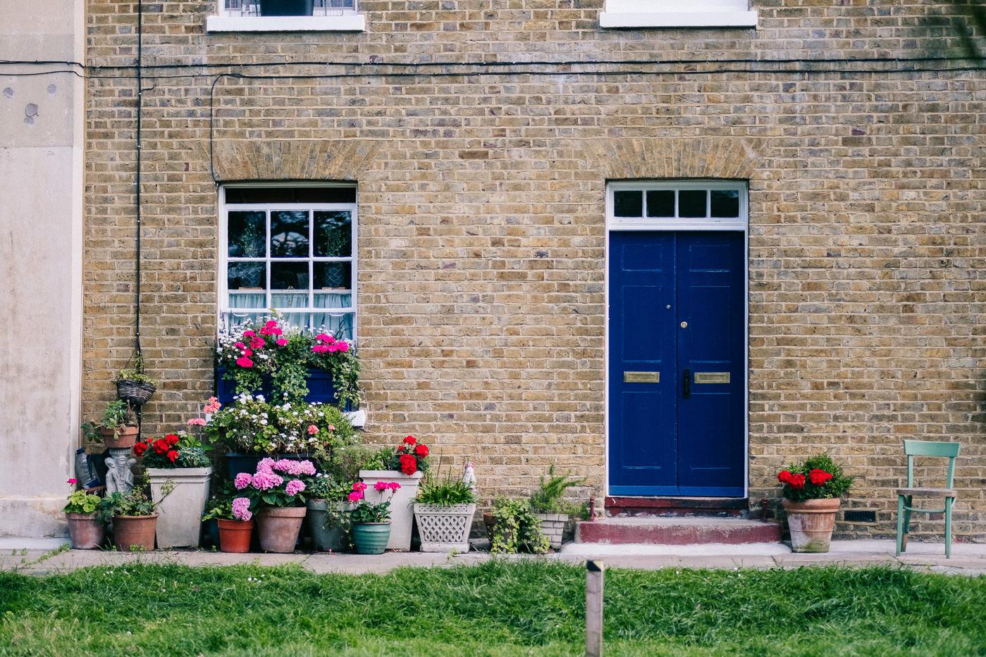 quirky london housing estate alms houses asylum chapel wedding photography