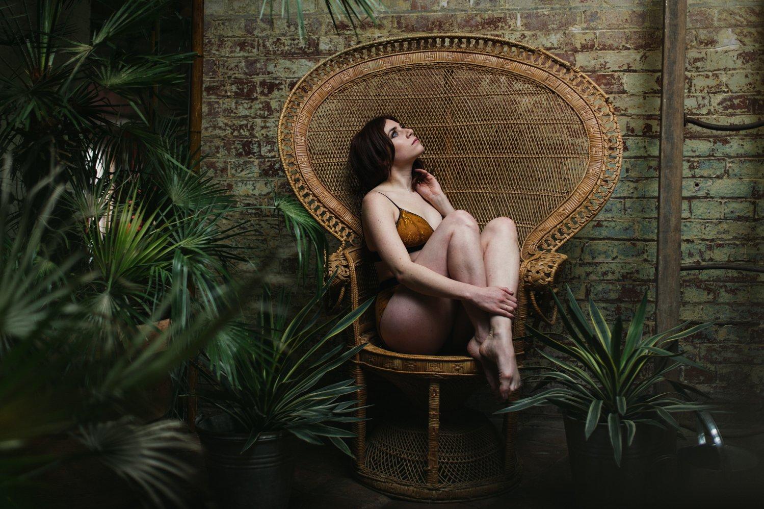 60s inspired boudoir shoot