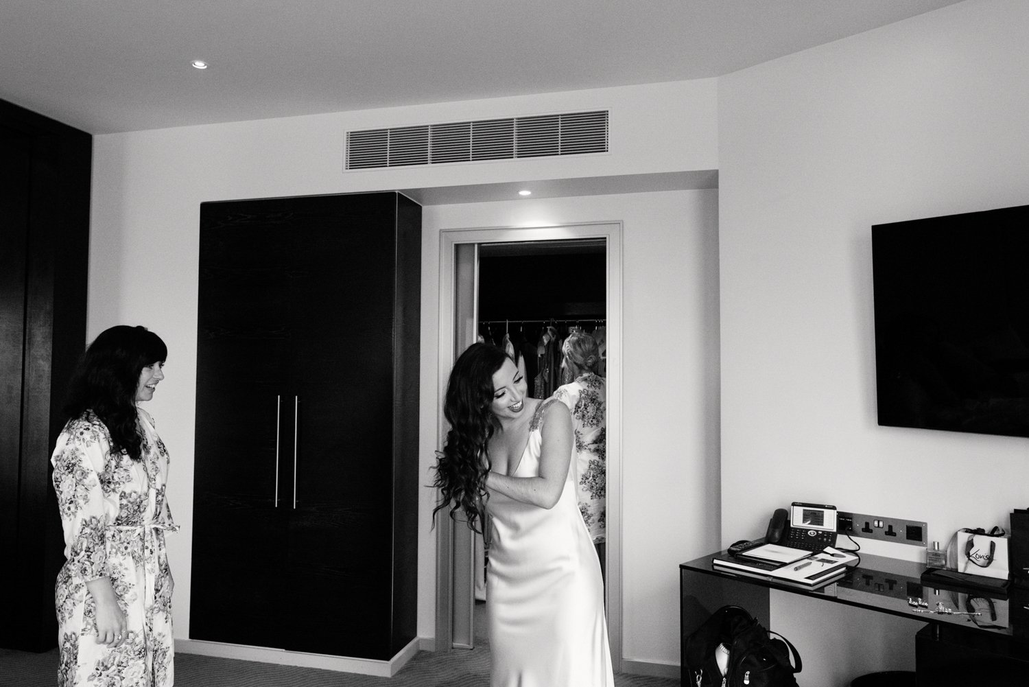 Bridal prep - London wedding photography
