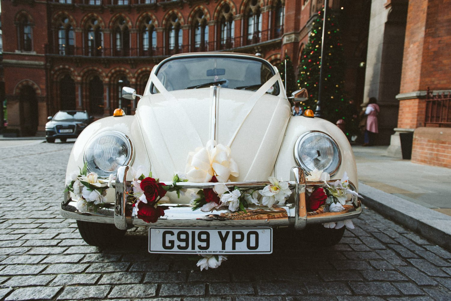 Beatle car all dressed up for London wedding
