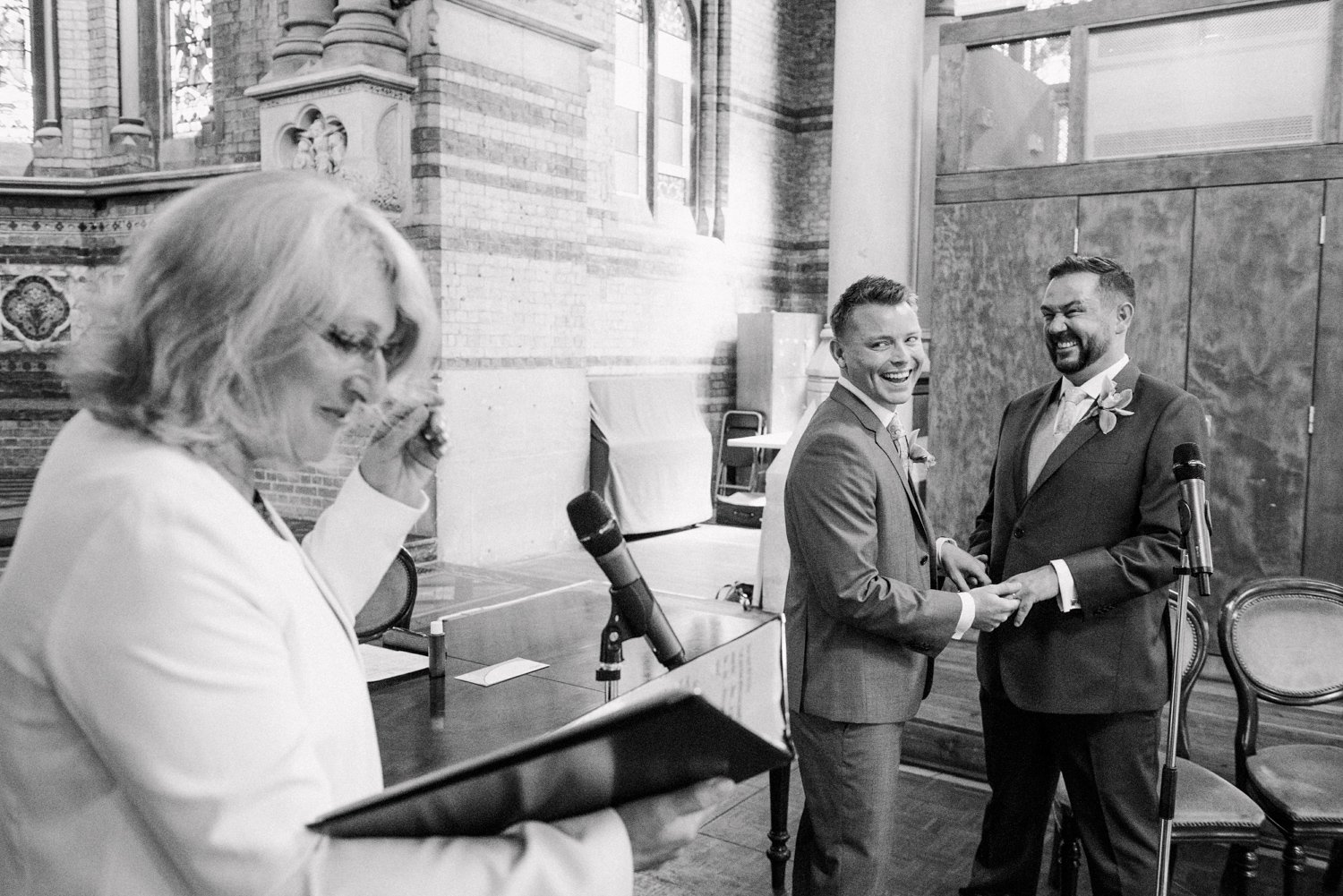 st-stephens-rosslyn-hill-wedding-photography-13