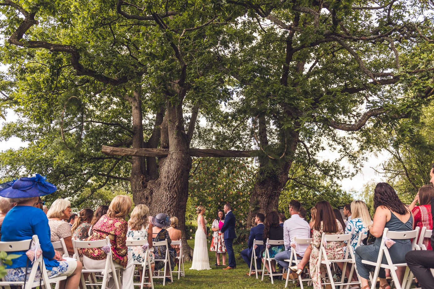 Humanist celebrant led wedding at Ridge Farm